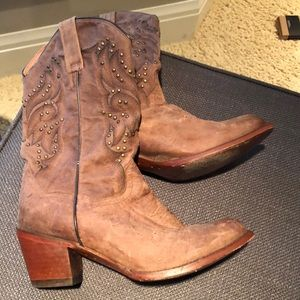 Brown great shape cowboy boots registered
